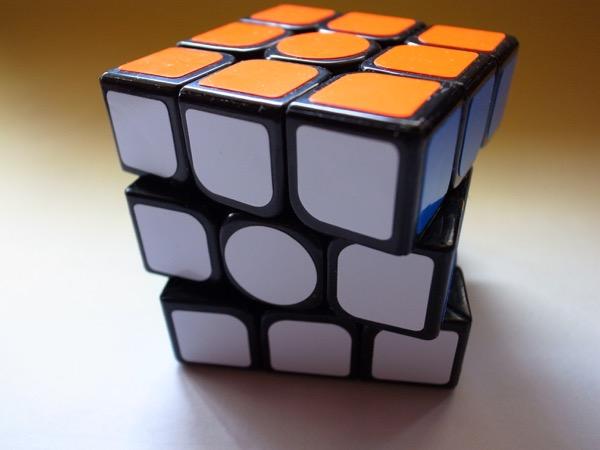 ルービックキューブのタイムを縮めたいならこれを買え!